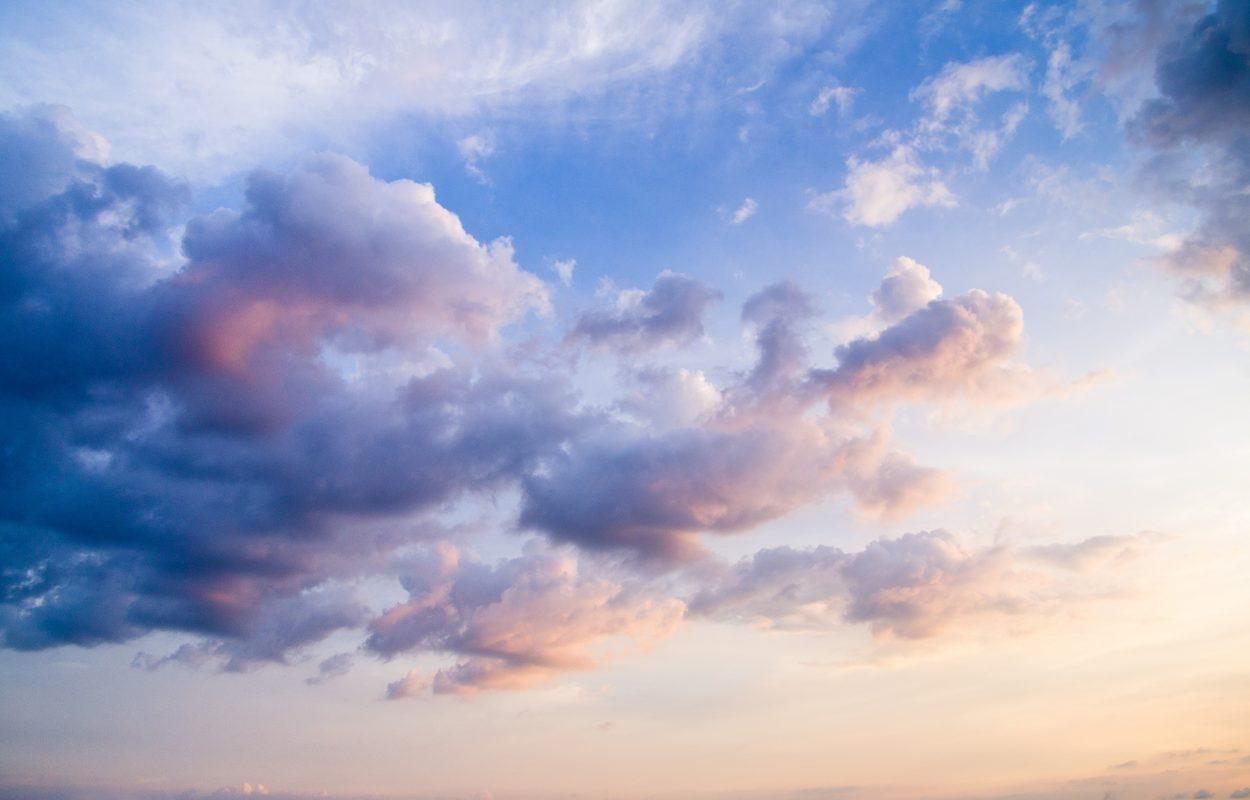 Sky with clouds and sun to daydream